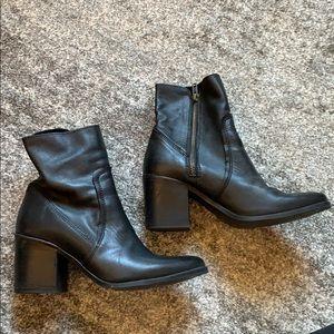 Steven Madden black block heel booties